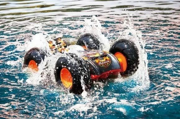 Terra ou Água, tanto faz! O Amphibious é um carrinho que topa qualquer parada!