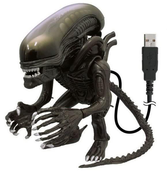 Réplica do Alien para conectar em sua porta USB