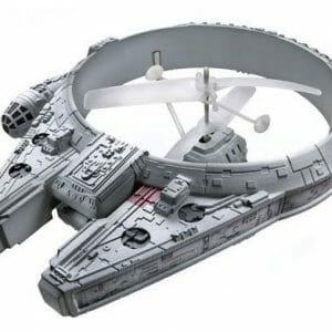Millennium Falcon de controle remoto voa de verdade!