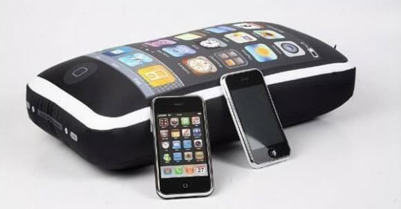 iCushion - A almofada em forma de iPhone.