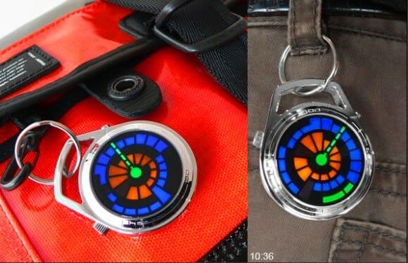 Relógio de bolso da Tokyoflash é ideal pra quem gosta de tranqueiras penduradas na mochila!
