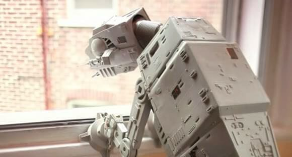 Pode um AT-AT de Star Wars ser um animal de estimação? (com vídeo)