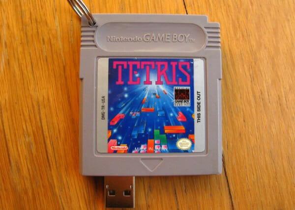 pen-drive-cartucho-game-boy-tetris_2