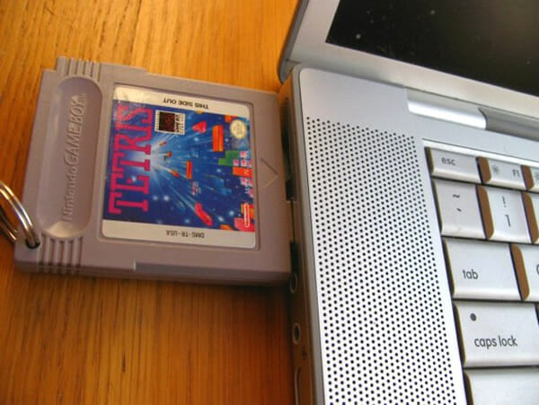 pen-drive-cartucho-game-boy-tetris_3