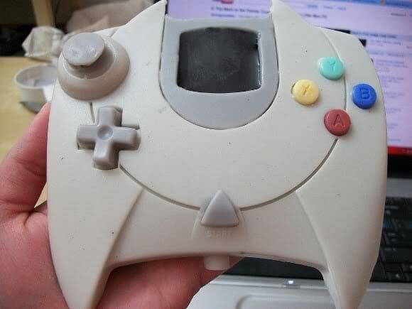 Sabonete em forma de controle do Dreamcast