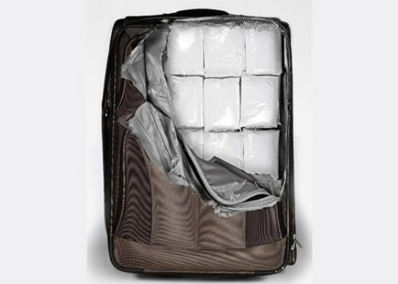 Adesivos comprometedores para malas de viagem