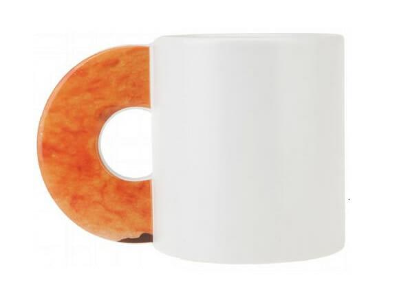 Caneca com alça em forma de Donuts.