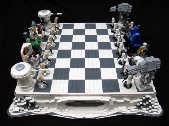 Set de xadrez do filme Star Wars - O Império Contra Ataca feito de LEGO.