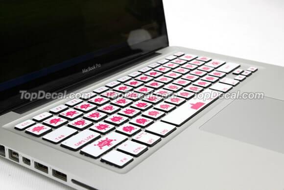 Os Space Invaders vão invadir o teclado do seu MacBook
