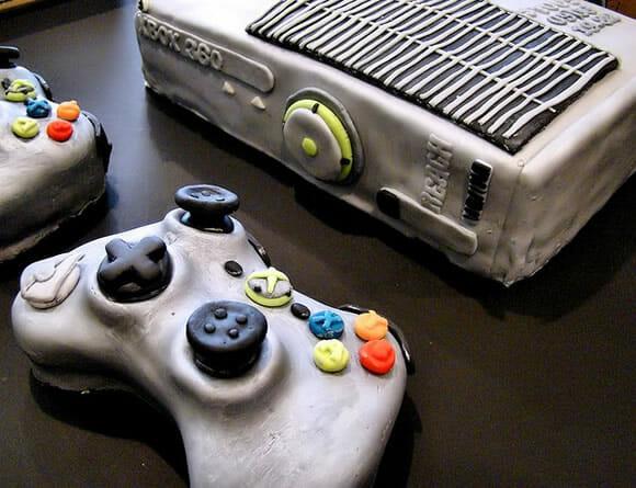 Bolo de cenoura do Xbox 360. Huuum!