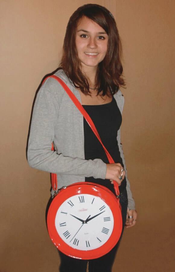 Bolsa Relógio pra mulherada que vive atrasada não se atrasar mais.