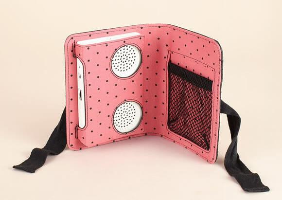 Nova moda - Carteira com speakers embutidos.
