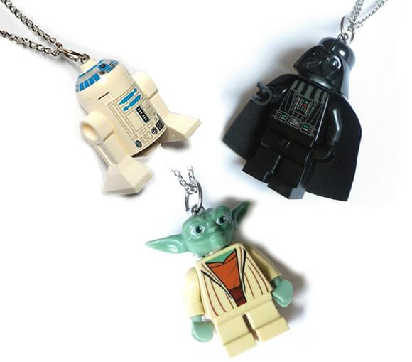 Colares geeks feitos com minifigs de LEGO Star Wars.