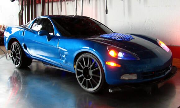 Um PC com o formato de um Corvette ZR1 que funciona de verdade!