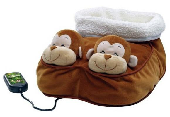 Simpáticos macaquinhos para aquecer e massagear os pés nos dias mais frios.