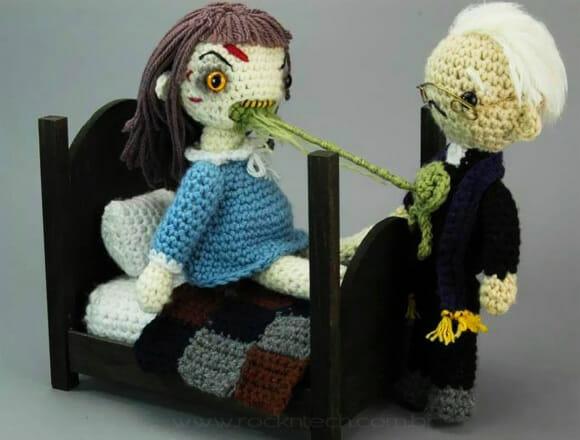 FOTOFUN - O exorcista de crochê.
