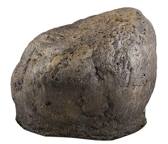 Câmera espiã em forma de pedra. Encontre a lente se for capaz.