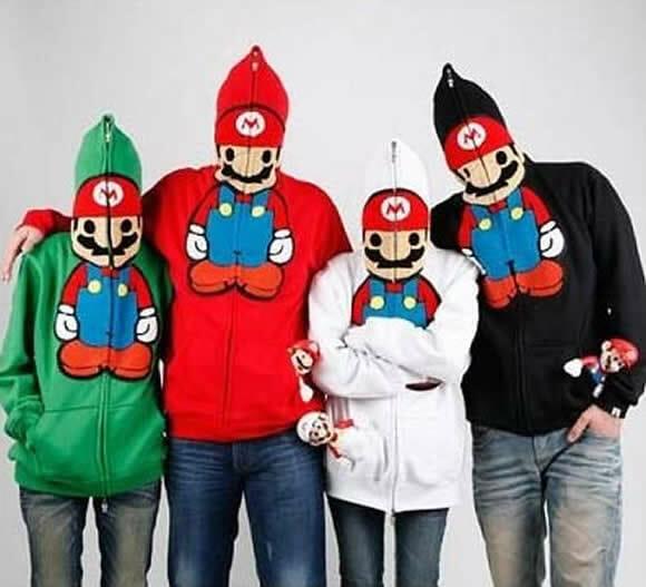 Transforme-se no Super Mario apenas vestindo uma blusa.