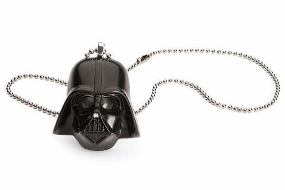 Colar do Darth Vader para meninas fãs de Star Wars.