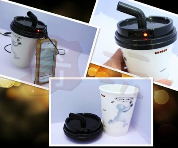 Speaker em forma de copo de café.