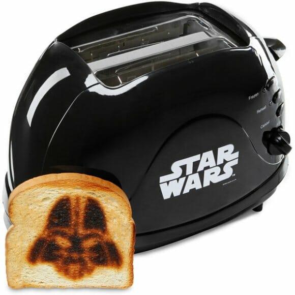 Torradeira Darth Vader. Venha você também para o lado negro da torrada!
