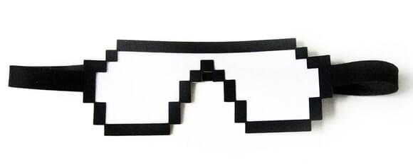 Máscara para olhos geek.