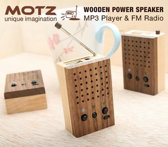 Motz - Rádio, MP3 Player e Speaker em uma caixinha de madeira.