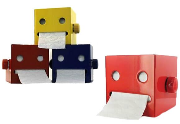 Robô porta papel higiênico.