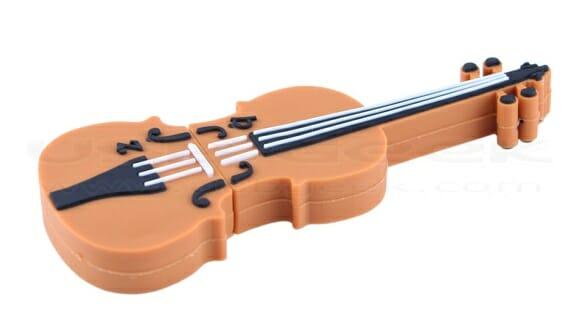 O menor violino no mundo é na verdade um pen drive de 4GB.