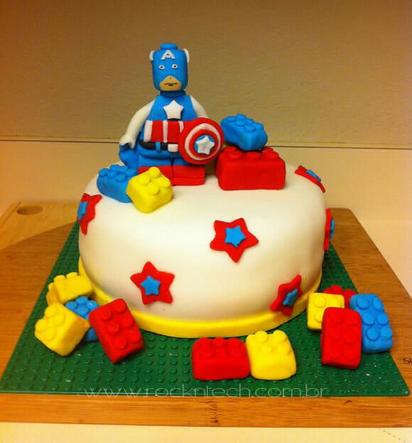 FOTOFUN - Bolo Capitão América + LEGO. Quem vai querer?