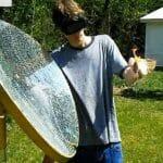 Jovem cria uma arma mortal com 5800 espelhos nos EUA.