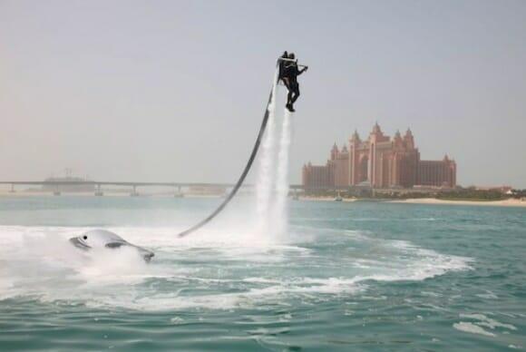 O Fantástico Jetpack de US$ 100 mil movido a água. (com vídeo)