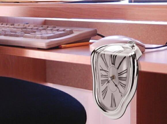 Melting Clock - O relógio derretido.