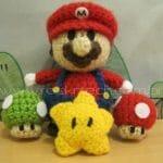 Personagens do Super Mario feitos de crochê