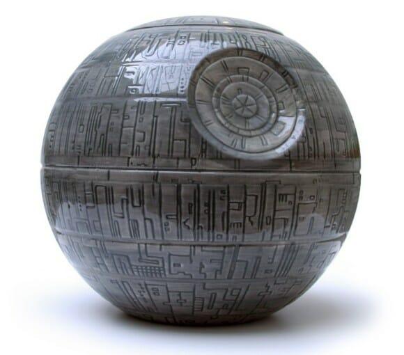 Pote de biscoito da Estrela da Morte para fãs de Star Wars.