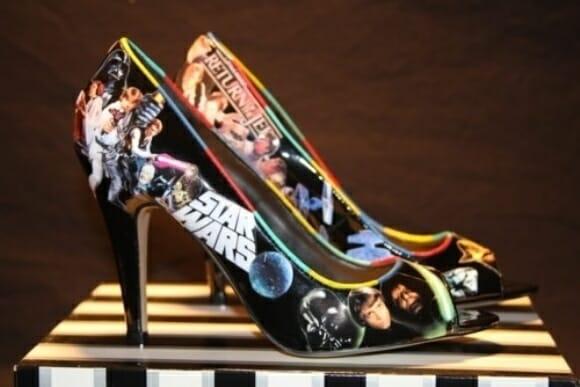Um sapato para mulheres loucas por Star Wars.