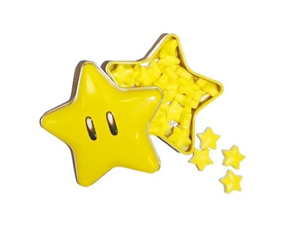 Balas geeks inspiradas em blocos e estrelas do game Super Mario.