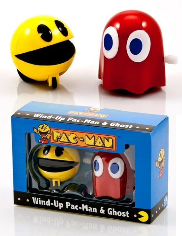 Pac-Man e Blinky de brinquedo para animar o dia.