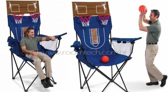 Um cadeirão gigante para relaxar e jogar basquete. Hã?!