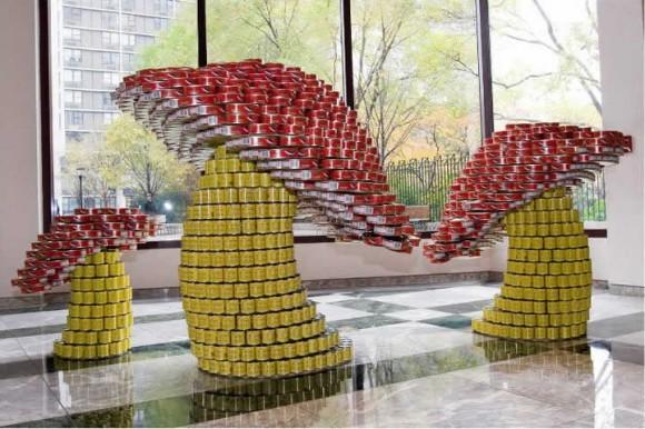 As fantásticas esculturas feitas com embalagens de alimentos.