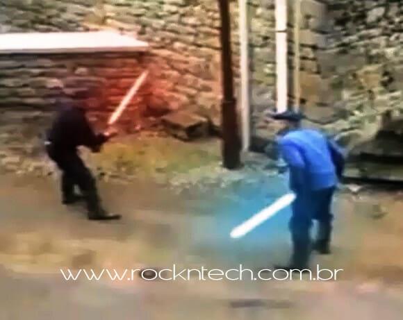 VIDEOFUN - Idosos duelam até a morte em uma batalha com sabres de luz.