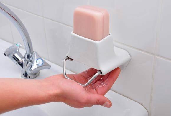 Já tomou banho com sabonete ralado?