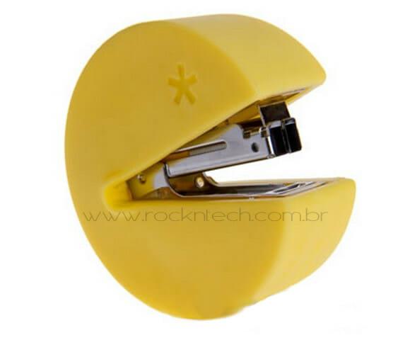 Mini grampeador inspirado no Pac-Man.