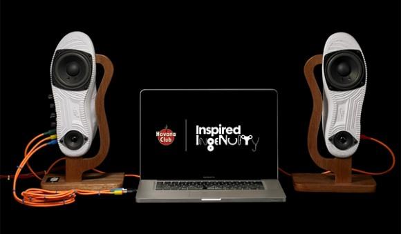Speakers feitos a partir de um Nike Air Force.