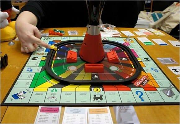 Novo jogo de tabuleiro Monopoly terá sistema central de controle inteligente.