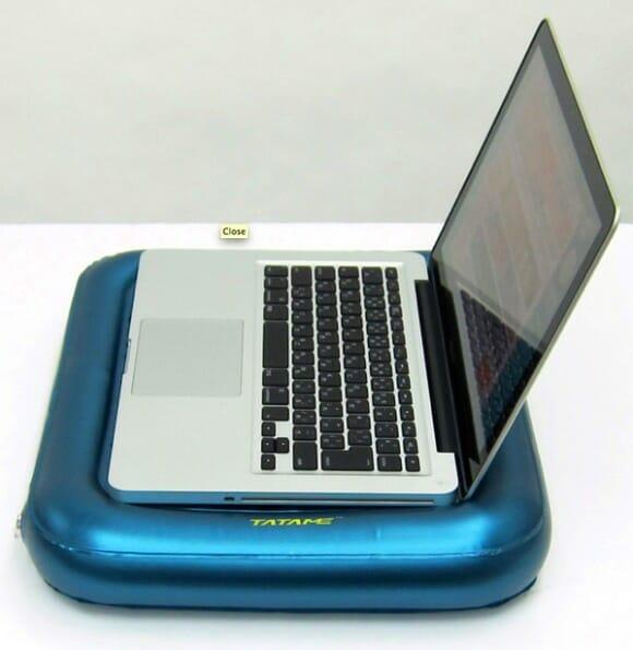 PC Waterbed da Thanko – Chega de esquentar o colo com o Notebook!