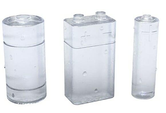 Gelo em forma de pilha pra turbinar a bebida.