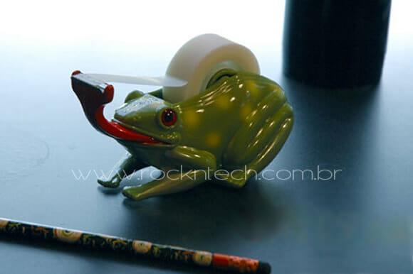 Frog Tape Dispenser - Um sapo porta durex.