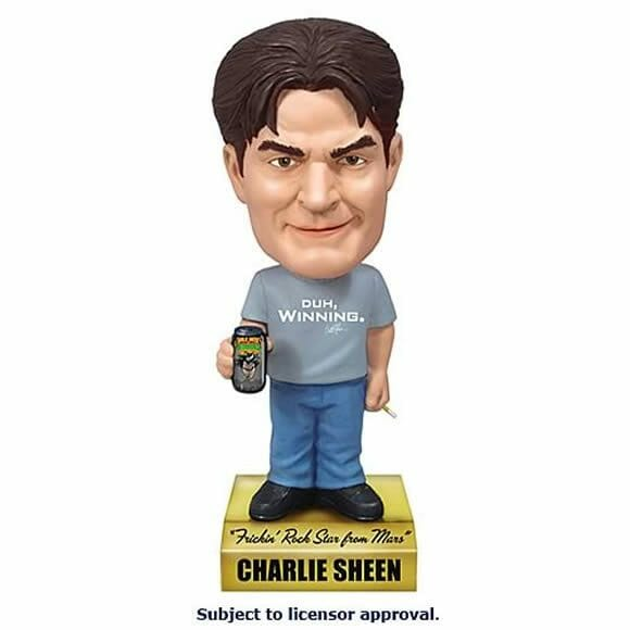 "Bobble Head ""falante"" de Charlie Sheen reproduz as frases mais consagradas do ator."