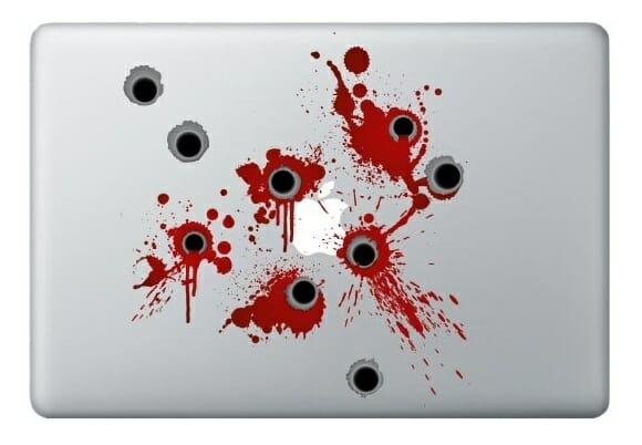 Rá-tá-tá! Decore seu MacBook com adesivos de marcas de tiro e sangue!